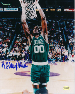 ROBERT PARISH - AUTOGRAPHED SIGNED PHOTOGRAPH