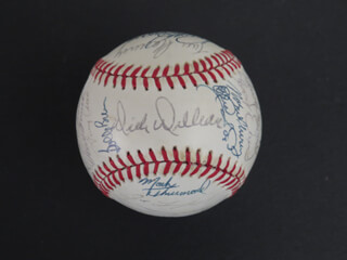 THE SAN DIEGO PADRES - AUTOGRAPHED SIGNED BASEBALL CIRCA 1983 CO-SIGNED BY: DICK WILLIAMS, GREG BOOKER, ED (EDWIN) RODRIGUEZ, OZZIE (OSVALDO JOSE (LOPEZ)) VIRGIL, LUIS SALAZAR, ALAN WIGGINS, SID MONGE, NORM SHERRY, DENNIS LEE RASMUSSEN, TIM FLANNERY, TERRY KENNEDY, JACK KROL, BRUCE DOUGLAS BOCHY, RUPPERT JONES, ELIAS SOSA, BOB (BOBBY) TOLAN, BOBBY BROWN, MARK THURMOND, DAVE DRAVECKY, STEVE FIREOVID, MARIO RAMIREZ, LUIS DE LEON, GARY LUCAS, GERRY DAVIS, JODY LANSFORD