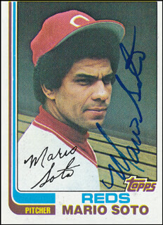 MARIO SOTO - TRADING/SPORTS CARD SIGNED