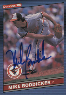 MIKE BODDICKER - TRADING/SPORTS CARD SIGNED