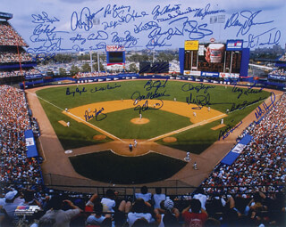 Autographs: THE NEW YORK METS - PHOTOGRAPH SIGNED CO-SIGNED BY: DARRYL STRAWBERRY, DWIGHT DOC GOODEN, PAT (PATRICK P.) ZACHRY, JESSE OROSCO, JOHN FRANCO, WALLY BACKMAN, RAY KNIGHT, TERRY LEACH, HOWARD HOJO JOHNSON, RICK AGGIE AGUILERA, BOB OJEDA, KEVIN ELSTER, BRUCE BERENYI, JON MATLACK, DUKE SNIDER, DAVEY JOHNSON, GREG GOOSSEN