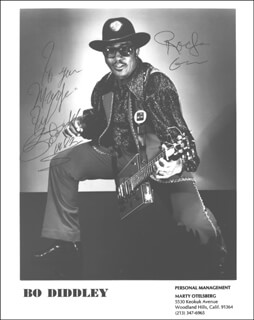 BO DIDDLEY - AUTOGRAPHED INSCRIBED PHOTOGRAPH 1982