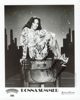 DONNA SUMMER - AUTOGRAPHED SIGNED PHOTOGRAPH