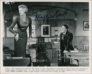 DAME MAGGIE SMITH - INSCRIBED PRINTED PHOTOGRAPH SIGNED IN INK