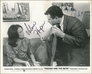 FREEBIE AND THE BEAN MOVIE CAST - PRINTED PHOTOGRAPH SIGNED IN INK CO-SIGNED BY: ALAN ARKIN, VALERIE HARPER