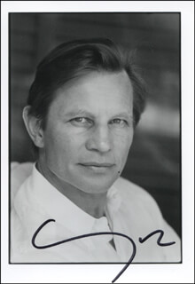 MICHAEL YORK - AUTOGRAPHED SIGNED PHOTOGRAPH