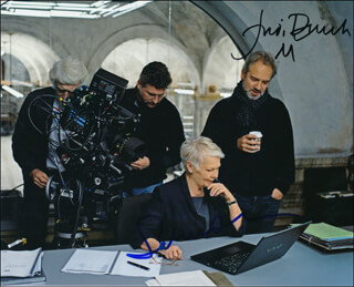 Autographs: SKYFALL MOVIE CAST - PHOTOGRAPH SIGNED CO-SIGNED BY: DAME JUDI DENCH, SAM MENDES