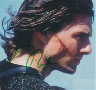 TOM CRUISE - MAGAZINE PHOTOGRAPH SIGNED