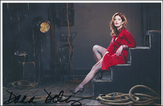 DANA DELANY - AUTOGRAPHED SIGNED PHOTOGRAPH