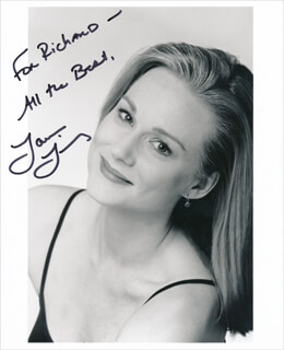 LAURA LINNEY - AUTOGRAPHED INSCRIBED PHOTOGRAPH