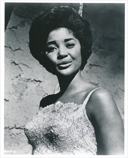 NANCY WILSON - AUTOGRAPHED SIGNED PHOTOGRAPH