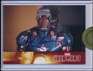 DON CHEADLE - TRADING/SPORTS CARD SIGNED