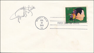 Autographs: FRED ASTAIRE - FIRST DAY COVER SIGNED