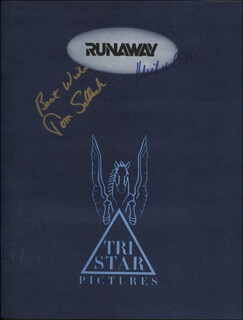 RUNAWAY MOVIE CAST - PROGRAM SIGNED CO-SIGNED BY: MICHAEL CRICHTON, TOM SELLECK