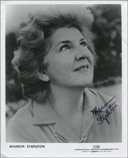MAUREEN STAPLETON - PRINTED PHOTOGRAPH SIGNED IN INK
