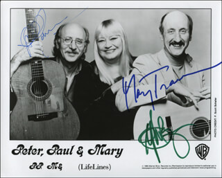 PETER, PAUL & MARY - PRINTED PHOTOGRAPH SIGNED IN INK CO-SIGNED BY: PETER, PAUL & MARY (PAUL STOOKEY), PETER, PAUL & MARY (PETER YARROW), PETER, PAUL & MARY (MARY TRAVERS)