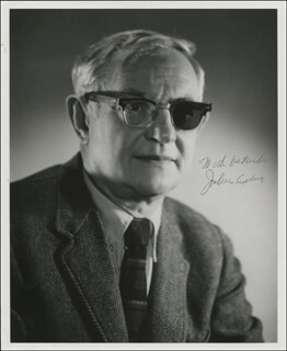 Autographs: JULIUS AXELROD - PHOTOGRAPH SIGNED