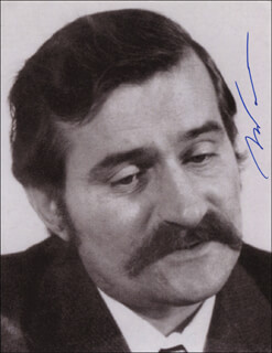 PRESIDENT LECH WALESA (POLAND) - AUTOGRAPHED SIGNED PHOTOGRAPH