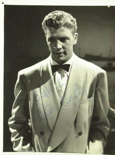 DAN DAILEY - AUTOGRAPHED SIGNED PHOTOGRAPH
