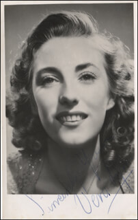 VERA LYNN - AUTOGRAPHED SIGNED PHOTOGRAPH