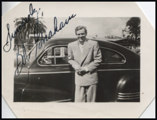 BOB GRAHAM - AUTOGRAPHED SIGNED PHOTOGRAPH