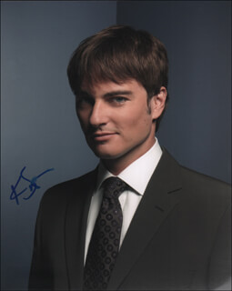 KERR SMITH - AUTOGRAPHED SIGNED PHOTOGRAPH