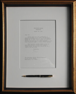 PRESIDENT WILLIAM J. BILL CLINTON - TYPED LETTER SIGNED 08/16/1997