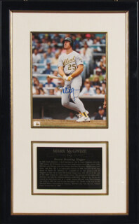 MARK McGWIRE - AUTOGRAPHED SIGNED PHOTOGRAPH