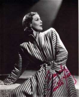 LORETTA YOUNG - MAGAZINE PHOTOGRAPH SIGNED