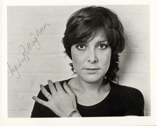 LYNDA BELLINGHAM - AUTOGRAPHED SIGNED PHOTOGRAPH