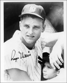 ROGER MARIS - AUTOGRAPHED SIGNED PHOTOGRAPH