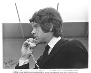 WARREN BEATTY - AUTOGRAPHED SIGNED PHOTOGRAPH CIRCA 1971