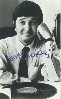 ROBIN RAY - AUTOGRAPHED SIGNED PHOTOGRAPH