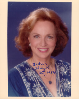 BEATRICE STRAIGHT - AUTOGRAPHED SIGNED PHOTOGRAPH 10/1984