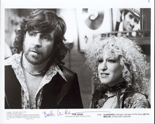 BETTE MIDLER - AUTOGRAPHED SIGNED PHOTOGRAPH