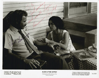 Autographs: ALEX AND THE GYPSY MOVIE CAST - INSCRIBED PRINTED PHOTOGRAPH SIGNED IN INK CO-SIGNED BY: GENEVIEVE BUJOLD, JACK LEMMON
