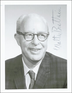 Autographs: WALTER BRATTAIN - PHOTOGRAPH SIGNED