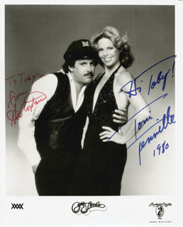 CAPTAIN & TENNILLE - AUTOGRAPHED INSCRIBED PHOTOGRAPH 1980 CO-SIGNED BY: CAPTAIN & TENNILLE (DARYL DRAGON), CAPTAIN & TENNILLE (TONI TENNILLE)
