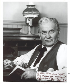MILBURN STONE - AUTOGRAPHED SIGNED PHOTOGRAPH