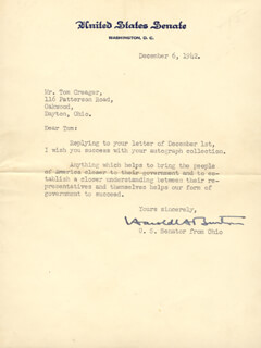 Autographs: ASSOCIATE JUSTICE HAROLD H. BURTON - TYPED LETTER SIGNED 12/06/1942