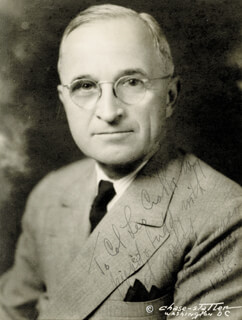 PRESIDENT HARRY S TRUMAN - AUTOGRAPHED SIGNED PHOTOGRAPH 01/12/1945