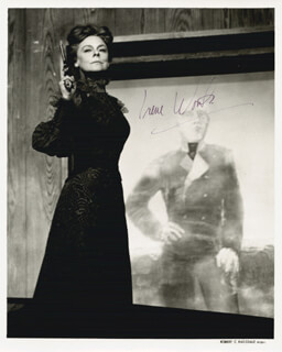 IRENE WORTH - AUTOGRAPHED SIGNED PHOTOGRAPH