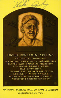 Autographs: LUKE APPLING - BASEBALL HALL OF FAME PLAQUE POSTCARD SIGNED