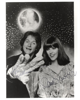 MORK & MINDY TV CAST - AUTOGRAPHED SIGNED PHOTOGRAPH CO-SIGNED BY: PAM DAWBER, ROBIN WILLIAMS