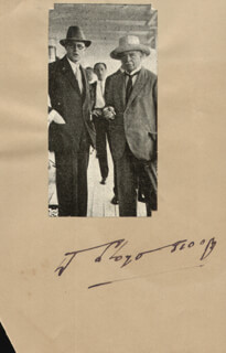 PRIME MINISTER DAVID LLOYD GEORGE (GREAT BRITAIN) - PHOTOGRAPH MOUNT SIGNED