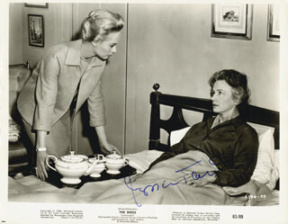 JESSICA TANDY - AUTOGRAPHED SIGNED PHOTOGRAPH CIRCA 1963
