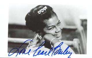 PEARL BAILEY - AUTOGRAPHED SIGNED PHOTOGRAPH