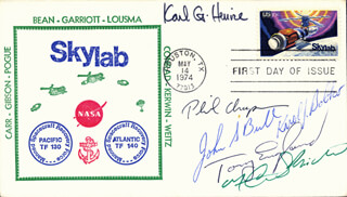 KARL G. HENIZE - FIRST DAY COVER SIGNED CO-SIGNED BY: PHILIP K. CHAPMAN, COLONEL KAROL J. BOBKO, ANTHONY ENGLAND, JOHN S. BULL, F. CURTIS MICHEL