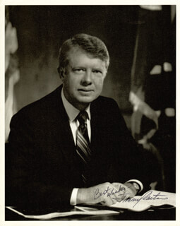 Autographs: PRESIDENT JAMES E. JIMMY CARTER - PHOTOGRAPH SIGNED