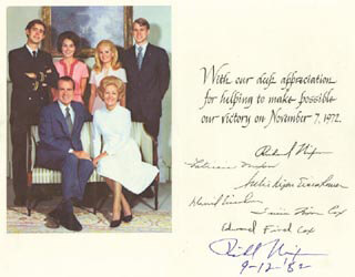 Autographs: PRESIDENT RICHARD M. NIXON - GREETING CARD SIGNED 09/12/1982